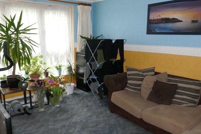 Thumbnail Flat for sale in Bateman Close, Barking