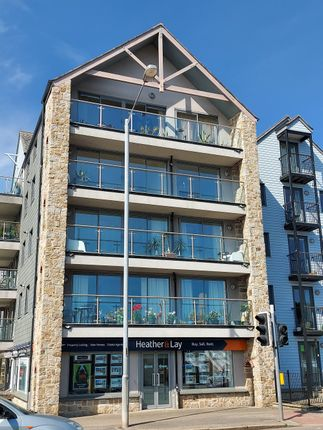 2 bed flat to rent in Swingbridge House, Quay Hill, Cornwall TR10