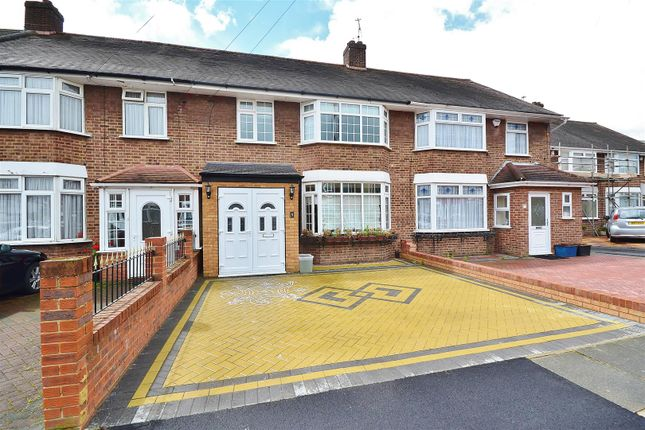 Thumbnail Terraced house to rent in Sandringham Close, Barkingside, Ilford