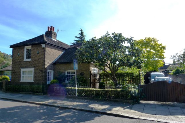 Thumbnail Detached house for sale in Chestnut Cottage, Forty Hill, Enfield