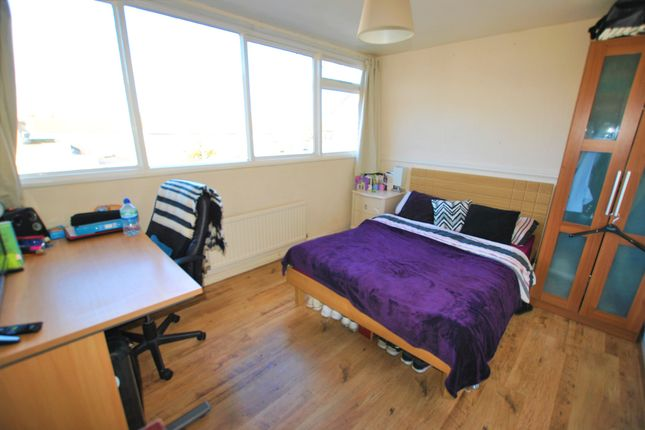 Thumbnail Shared accommodation to rent in Mayfield Close, Hillingdon, Uxbridge