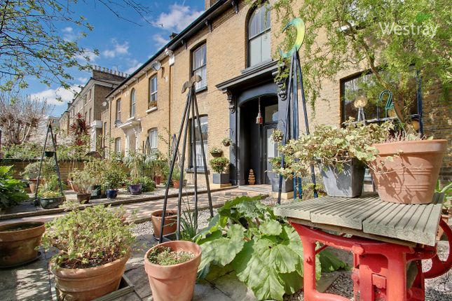 Thumbnail Semi-detached house for sale in Richmond Road, London Fields