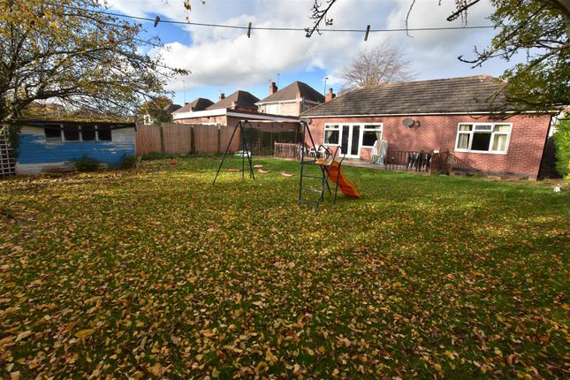 Thumbnail Detached bungalow for sale in Trowell Road, Wollaton, Nottingham