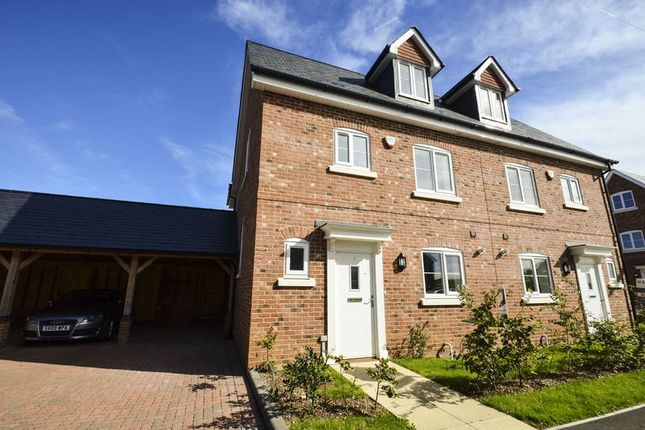 Thumbnail Town house for sale in Avenue Road, Lymington