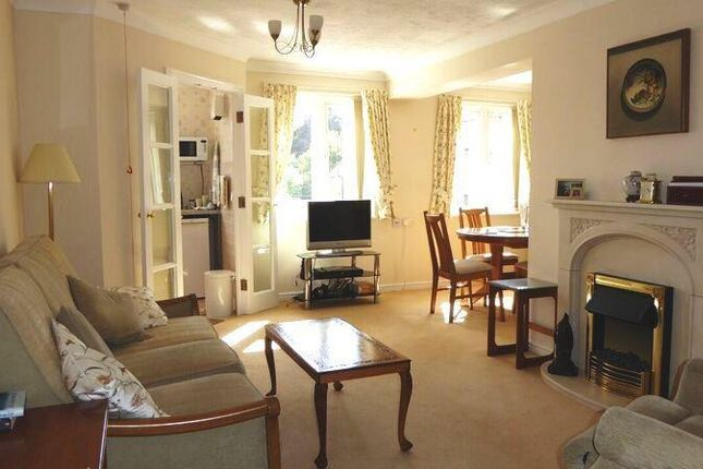 Thumbnail Property to rent in Bell Road, Sittingbourne