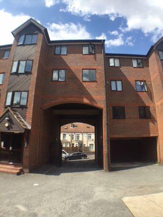 Thumbnail Flat to rent in Waldeck Road, Luton