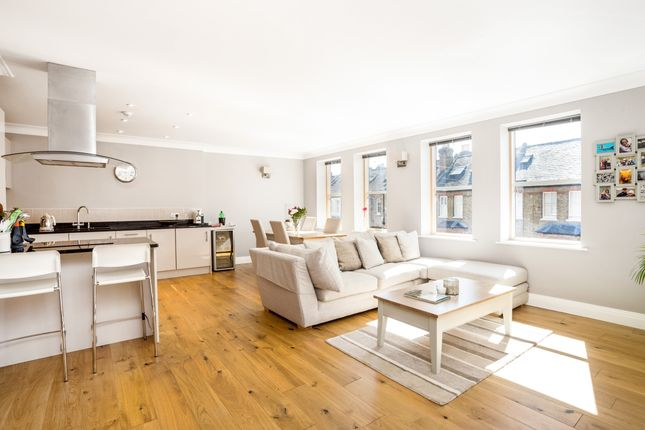 Thumbnail Flat to rent in Frances Road, Windsor