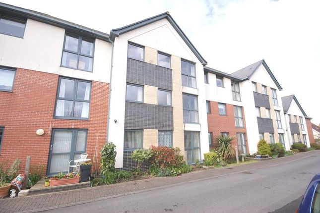 Thumbnail Property for sale in Marine Parade East, Lee-On-The-Solent