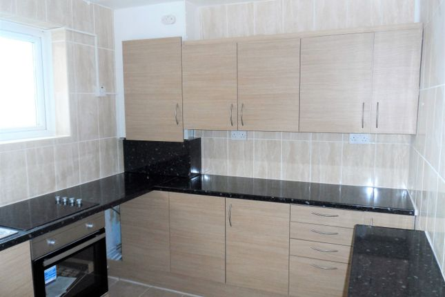 Thumbnail Flat for sale in Southmead Road, London