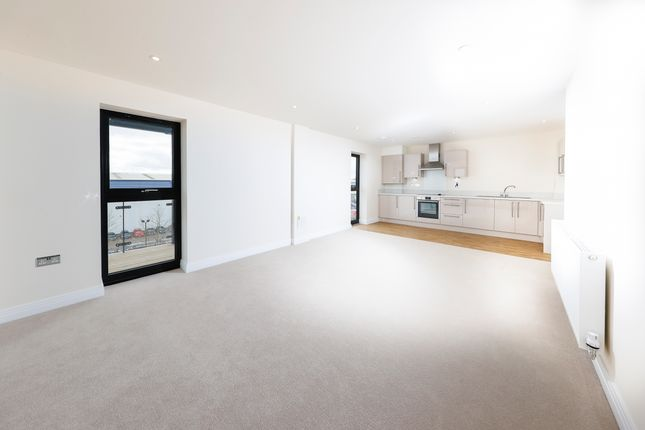 2 bedroom flat for sale in Bessemer Road, Welwyn Garden City