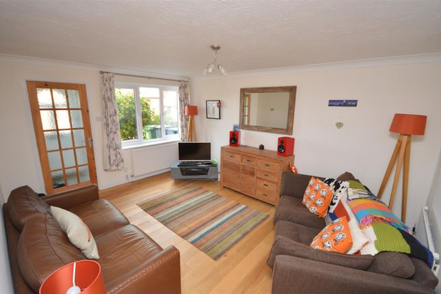 Thumbnail Property to rent in Hill View, Berkhamsted