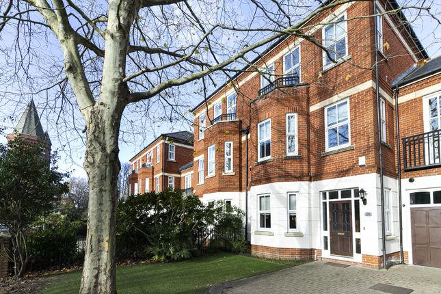 4 bed terraced house to rent in Rosebury Square, Woodford Green IG8
