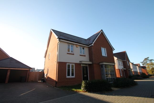 Thumbnail Detached house to rent in London Road, Wokingham, Berkshire