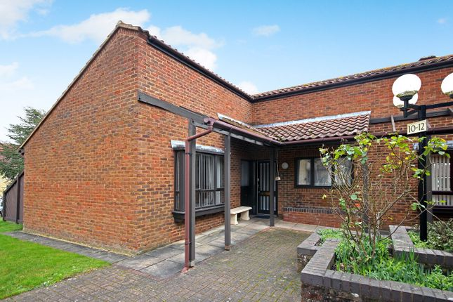 2 bed property for sale in The Maltings, Letchworth Garden City SG6
