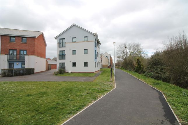 Thumbnail Flat to rent in Phoenix Way, Portishead, North Somerset