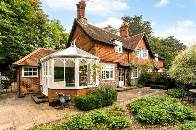 Thumbnail Flat for sale in Wittington Green, Henley Road, Medmenham, Marlow