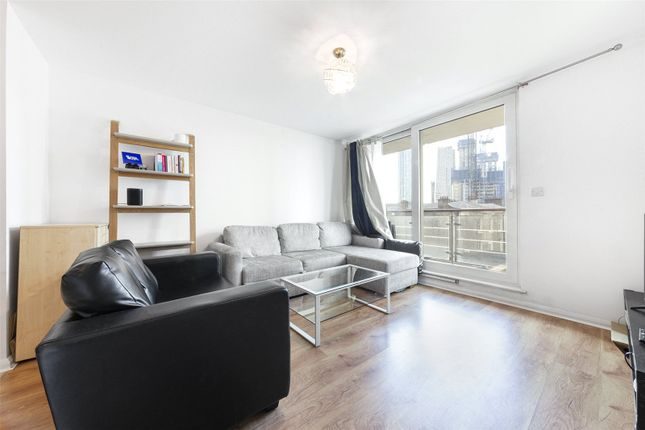 Flat for sale in Hanover House, St George Wharf