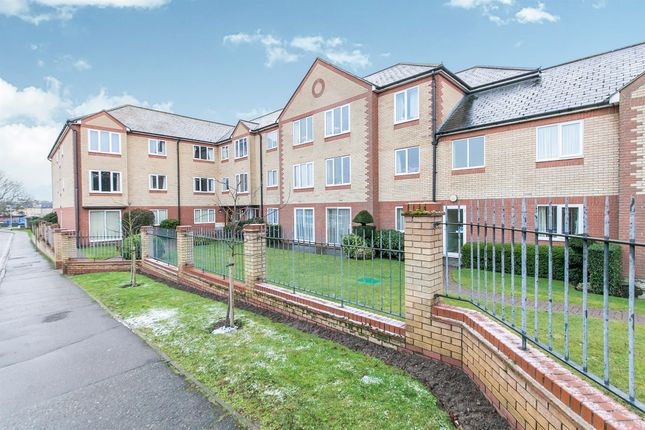 Thumbnail Flat for sale in Exeter Drive, Colchester