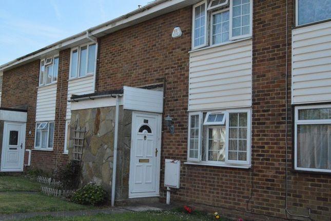 4 bed property for sale in trent road slough berkshire. Black Bedroom Furniture Sets. Home Design Ideas
