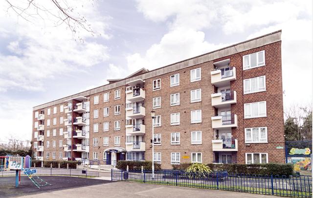Thumbnail Bungalow to rent in Royal Oak Road, London