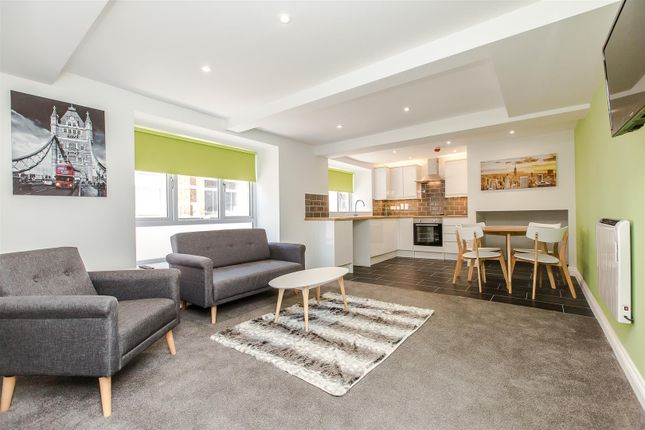 Thumbnail Flat for sale in Montagu Street, Kettering