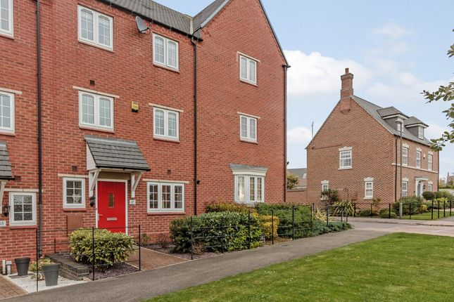 Thumbnail Town house for sale in Salford Way, Swadlincote, Derbyshire