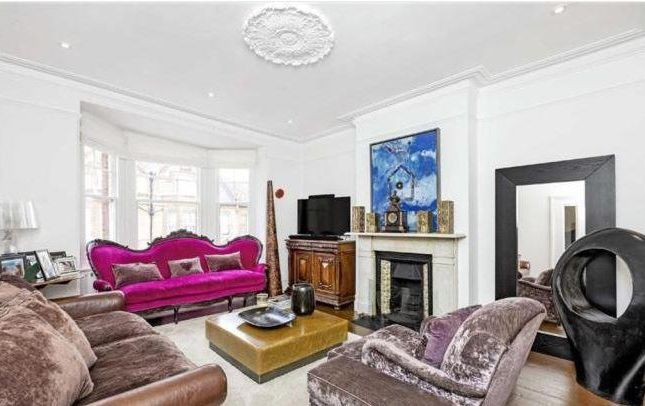Thumbnail Maisonette for sale in Thornbury Road, London
