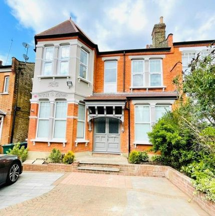 Thumbnail Flat to rent in 14A Windsor Road, Finchley, London, 322
