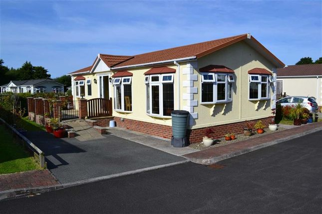 Thumbnail Mobile/park home for sale in Schooner Park, New Quay, Ceredigion