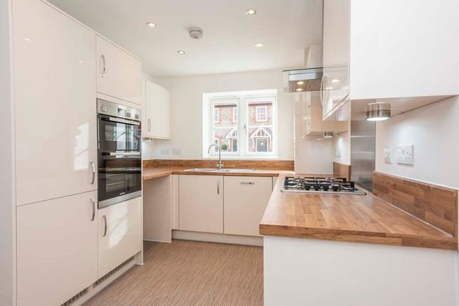 3 bedroom detached house for sale in Woodpecker Avenue, Holt