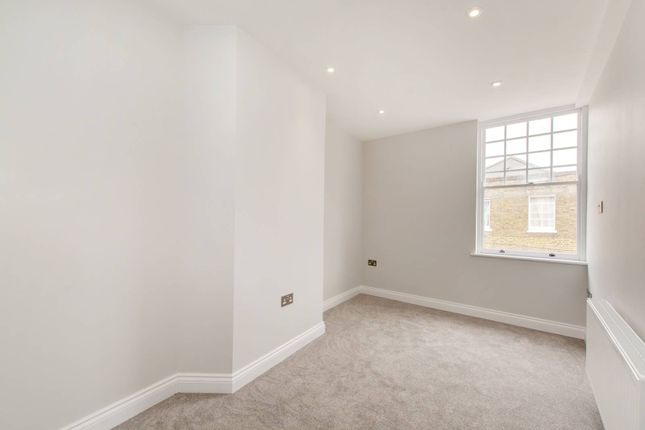 Thumbnail Maisonette for sale in Church Street, Croydon