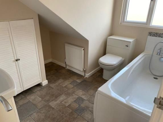 Ensuite of Sholing, Southampton, Hampshire SO19