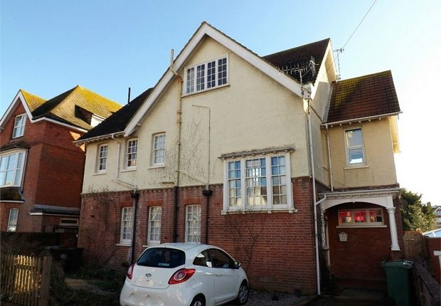 Thumbnail Maisonette to rent in Cantelupe Road, Bexhill-On-Sea, East Sussex