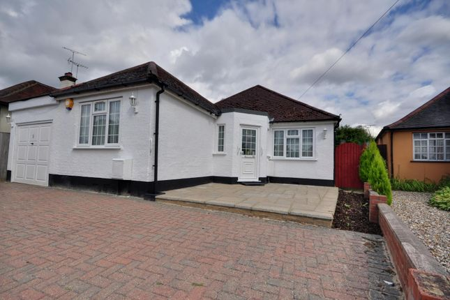 Thumbnail Detached bungalow to rent in Downs Avenue, Pinner, Middlesex