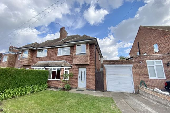 4 bed semi-detached house to rent in Park Crescent, Oadby LE2