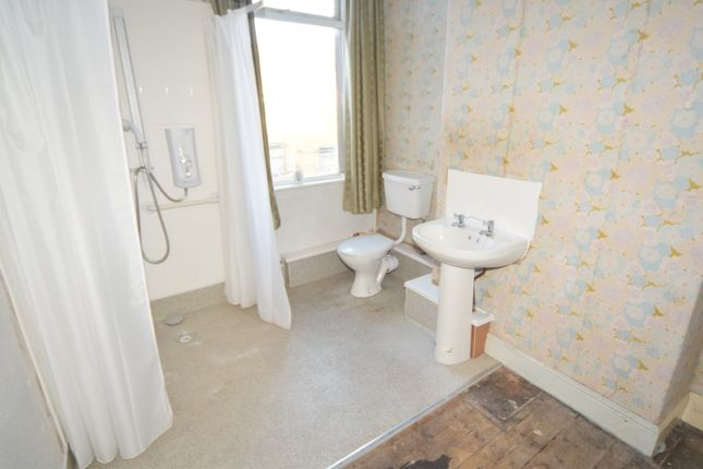 Shower/Wet Room of Robert Street, Barrow-In-Furness LA14