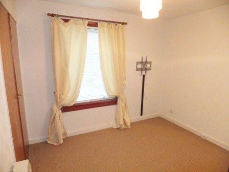 Thumbnail Flat to rent in 20 Priory Square, Kincardine, Alloa
