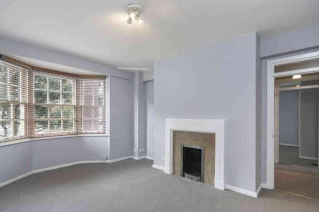 Flat to rent in Whiteheads Grove, London