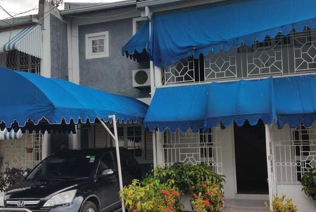 Town house for sale in Kingston, Saint Andrew, Jamaica