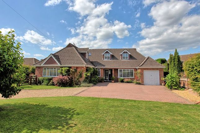 Thumbnail Detached house for sale in Monument Lane, Chalfont St. Peter, Gerrards Cross
