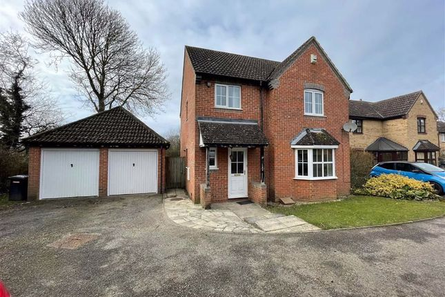 4 bed detached house to rent in Trefoil Drove, Thatcham RG18