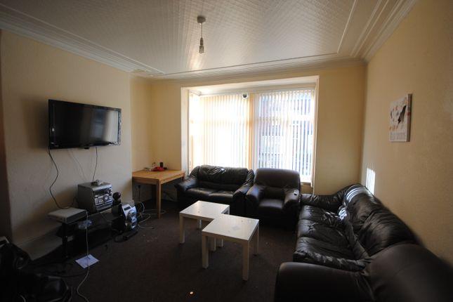 Thumbnail Terraced house to rent in 70 Headingley Avenue, Headingley