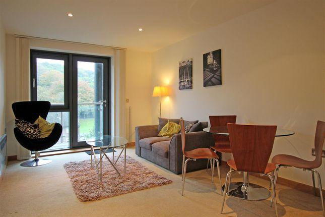 Flat to rent in Salts Mill Road, Baildon, Shipley