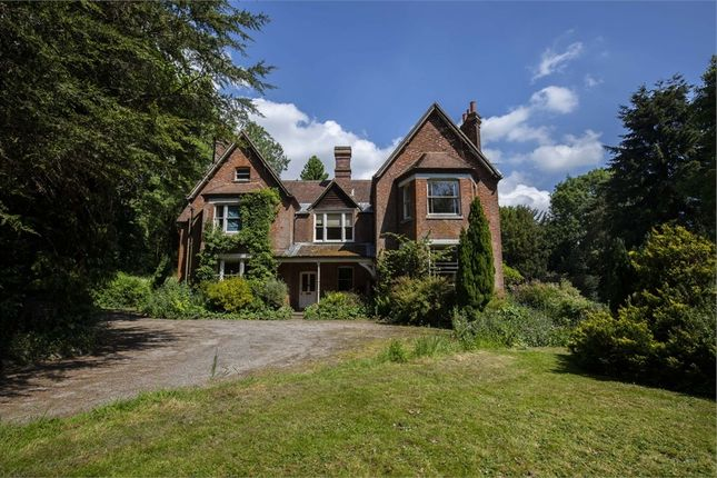Thumbnail Detached house for sale in Church Lane, Trottiscliffe, West Malling, Kent