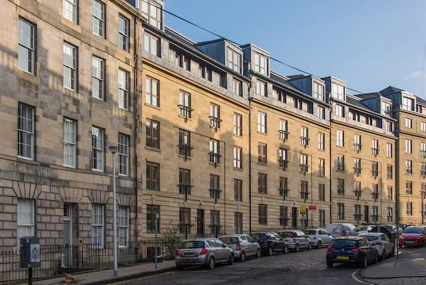 Thumbnail Flat for sale in St. Stephen Street, Edinburgh