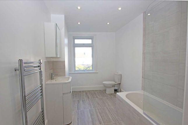 Bathroom of Jarvis Road, South Croydon CR2