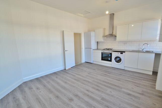 Thumbnail Flat to rent in East Barnet Road, East Barnet