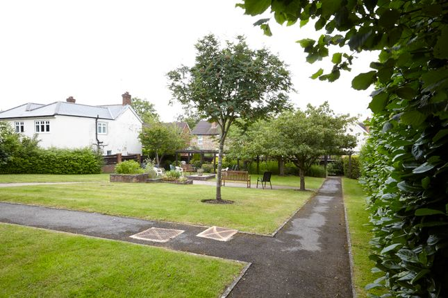 Flat for sale in Clarence Road, Fleet, Hampshire