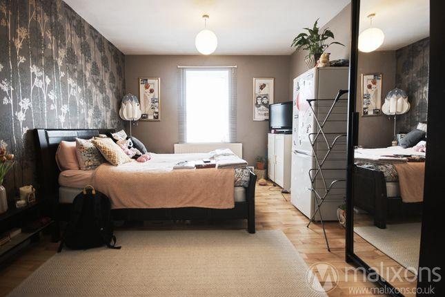 5 bed maisonette for sale in Merton Road, London SW18