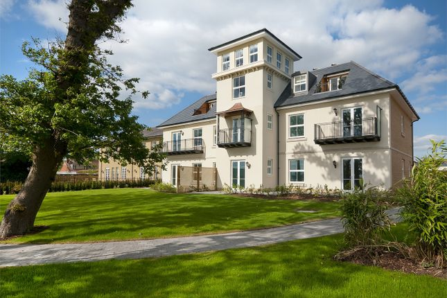 Thumbnail Property for sale in Victoria Road, Netley Abbey, Hampshire